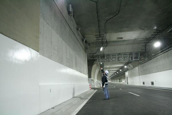 山手トンネル内不感知対策工事